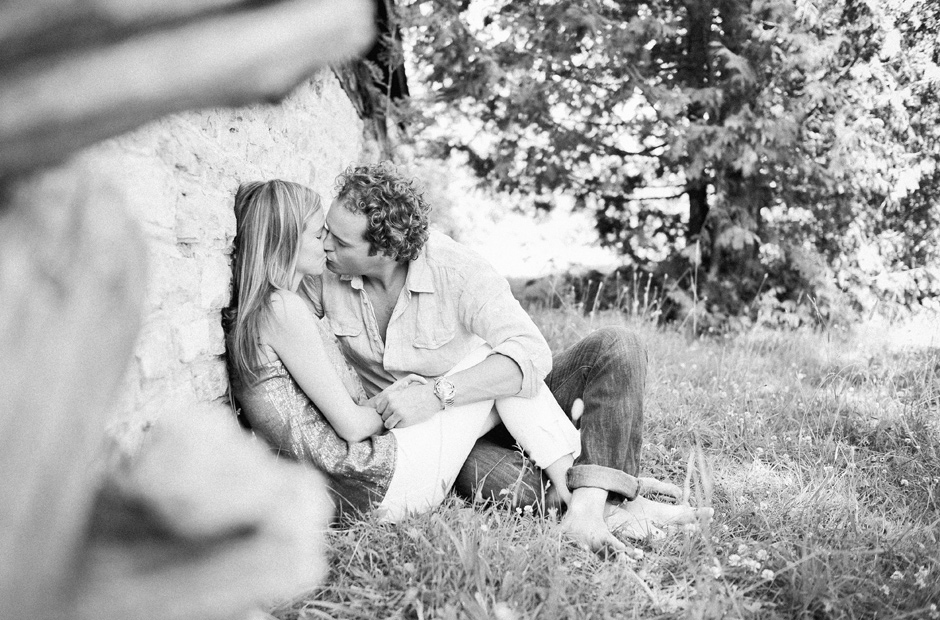 Muskoka-Cottage-Engagement-Session-Geminie-Photography-toronto-destination-wedding-photographer-16