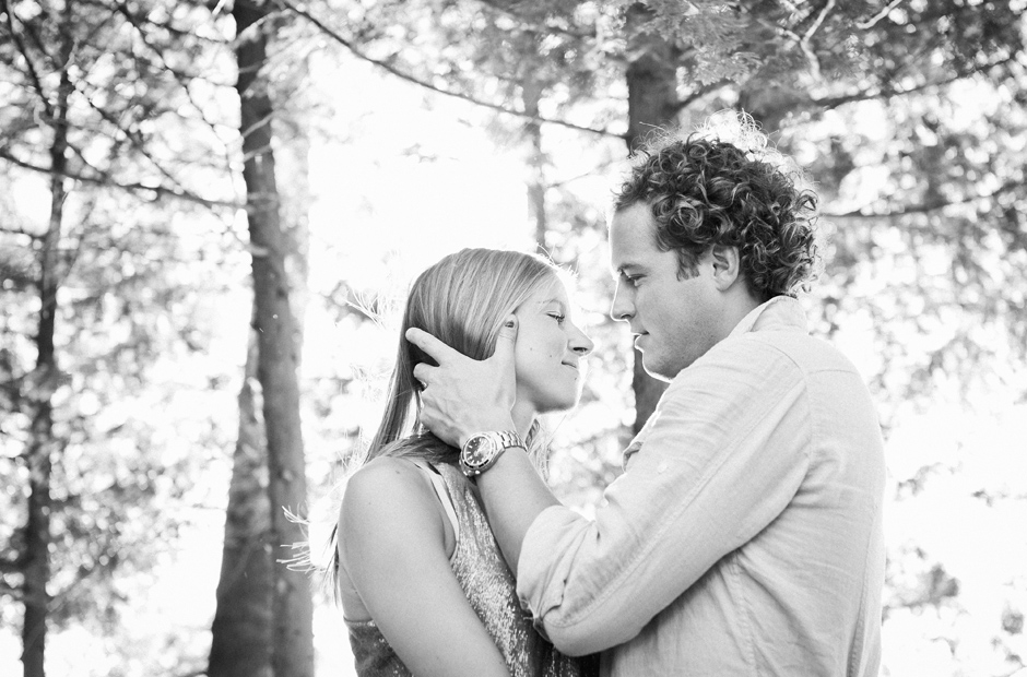 Muskoka-Cottage-Engagement-Session-Geminie-Photography-toronto-destination-wedding-photographer-31a