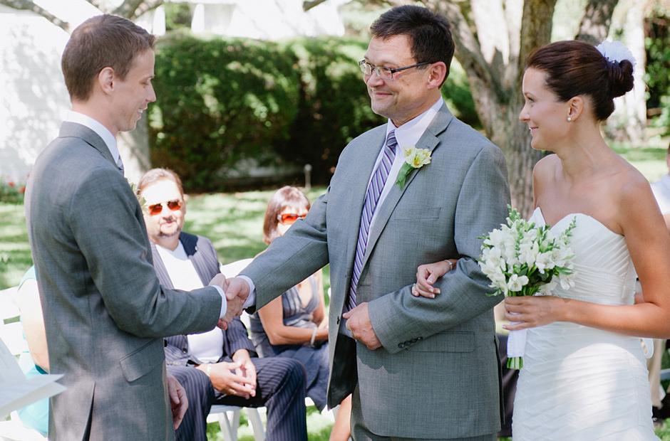 Alex-Alena-Kurtz-Orchard-Wedding-Niagara-Falls-Geminie-Photography-16