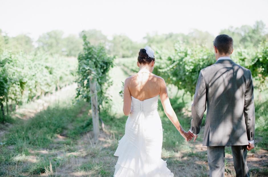 Alex-Alena-Kurtz-Orchard-Wedding-Niagara-Falls-Geminie-Photography-20