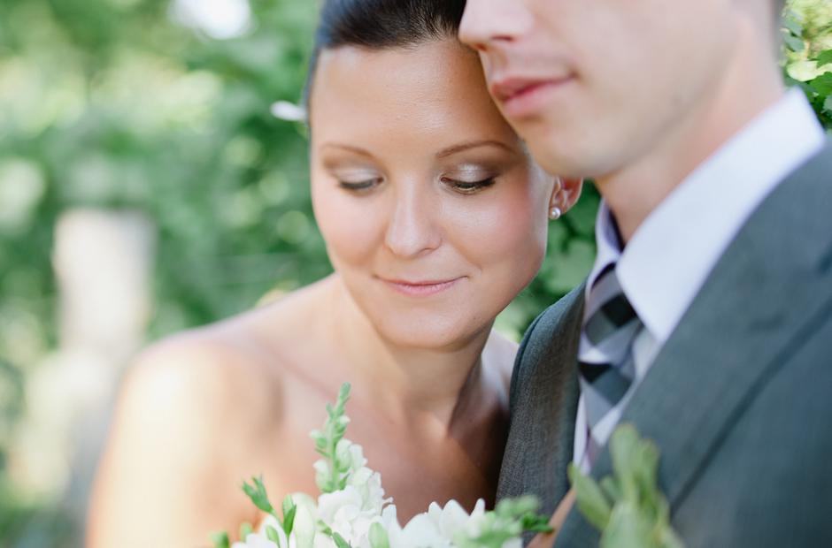Alex-Alena-Kurtz-Orchard-Wedding-Niagara-Falls-Geminie-Photography-22