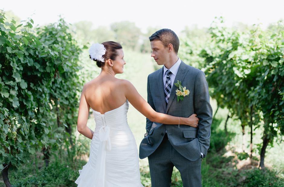 Alex-Alena-Kurtz-Orchard-Wedding-Niagara-Falls-Geminie-Photography-24